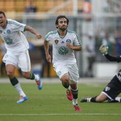 Em clássico quente, Palmeiras bate São Paulo e mantém 100%