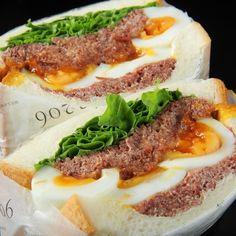 9分茹での半熟卵とコンビーフのサンドイッチ