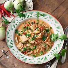 Rotes Thai-Curry mit Hähnchen