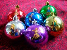 Pin up baubles for christmas tree, definitely making these! Holiday Ornaments, Holiday Fun, Christmas Bulbs, Christmas Crafts, Holiday Decor, Holiday Ideas, Christmas Time Is Here, Christmas Things, Hanukkah Bush