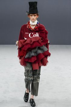 I think the Coke can exploded out of his stomach. Défilé Viktor & Rolf Haute Couture automne-hiver 2016-2017 1
