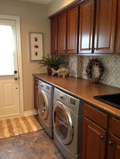 Updated Laundry Room, Using Home Depot Cabinets !