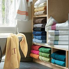 Comfy towels to treat someone to luxury every morning!