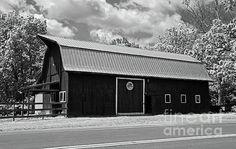 vintage, barn, ohio, bicentennial, rural,  black, white, landscape, architecture, building, michiale schneider photography, interior design, framed art, wall art