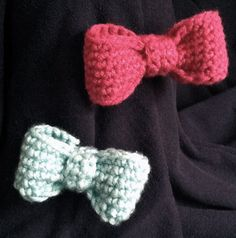 Crocheted Bow Clip by DesigningUs on Etsy