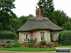 1000 Images About Thatched Cottages On Pinterest