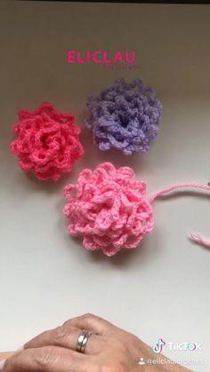 Crochet Flower Tutorial, Crochet Flower Patterns, Crochet Designs, Crochet Flowers, Crochet Motif, Crochet Stitches, Bracelet Crochet, Crochet Wallet, Crochet Gifts