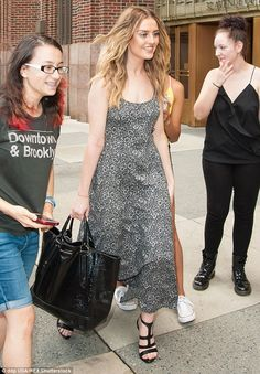 THE BIGGEST WORLD COMMUNITY OF ENTREPRENEURS!!!: Smiling Perrie Edwards puts on a brave face as she...