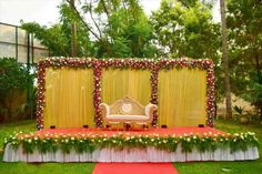 Best Stage Decoration Ideas For A Wedding In 2018 and After Wedding is the most beautiful moment in everyone life therefor decoration for it also should be perfect. Here are some amazing stage decoration ideas for wedding. Simple Stage Decorations, Engagement Stage Decoration, Marriage Decoration, Flower Decorations, Reception Stage Decor, Wedding Stage Design, Wedding Reception Backdrop, Wedding Mandap, Wedding Receptions