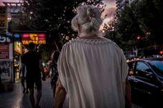 Street photography. Fotografia callejera. Benidorm. Street backs. Espaldas #bambibacks