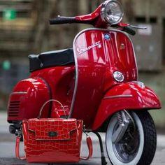 Vespa Ape, Piaggio Vespa, Lambretta Scooter, Scooter Scooter, Vespa Motor Scooters, Scooter Motorcycle, Chevrolet Silverado, Chevrolet Chevelle, Vintage Vespa