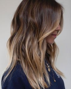 Whether you prefer traditional foil highlights or balayage, all-over highlights or babylights, this roundup has the best hair color ideas for brown hair with highlights. Brown Hair Balayage, Brown Ombre Hair, Brown Blonde Hair, Brown Hair With Highlights, Brown Hair Colors, Brunette Hair, Dark Hair, Brown Hair Foils, Brown Beach Hair
