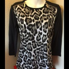 NWT MK Black and White Top. S New white and black knit top with Black 3/4 sleeve. Love MK Michael Kors Tops Tees - Long Sleeve