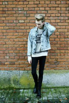 Urban Outfitters Levi's, Vintage Snowflake Jumper, Dr. Martens Boots