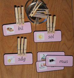 Min blogg om allt mellan himmel och jord: Montessorimaterial: parövning med bokstavsklämmor