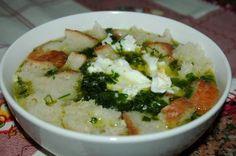 Quem aprecia o sabor dos coentros, vai certamente gostar desta receita! Uma sopa de coentros saborosa, diferente, rápida e simples de fazer!