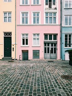 Nyhavn, Copenhagen. Just look at these pastels! Copenhagen, Denmark. This city needs to be on your travel bucket list. Loved every second here. A European Travel dream!