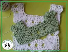 Crochet Baby Dress Pattern, Crochet Yoke, Granny Square Crochet Pattern, Baby Girl Crochet, Baby Knitting Patterns, Diy Crochet, Hand Crochet, Crochet Patterns, Diy Crafts Knitting