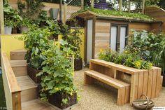 rivitalopiha,pikku piha,hyötykasvi,kori,koristehiekka,puutarha
