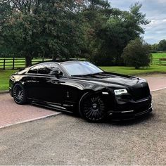 At the intersection of luxurious comfort and elevated confidence comes the Black Rolls Royce. Check out our collection of few stunning black Rolls Royce. Auto Rolls Royce, Voiture Rolls Royce, Rolls Royce Sports Car, Rolls Royce Motor Cars, New Sports Cars, Exotic Sports Cars, Sport Cars, Exotic Cars, Dream Cars