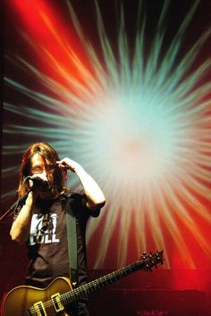 Steven Wilson - prolific London based multi-instrumentalist with numerous alternative rock side projects and a burgeoning solo career. A child prodigy, he formed two long running and concurrent experimental groups, No-Man and Porcupine Hill, while also becoming a sound engineer and in-demand producer.