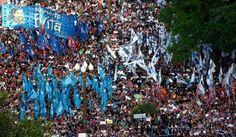 BLOG DO IRINEU MESSIAS: Milhares vão às ruas em protesto contra Mauricio M...