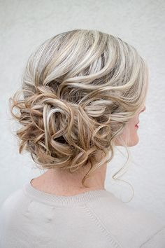 love this curled updo ~ we ❤ this! moncheriprom.com
