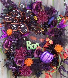 Halloween wreath, funky & beautiful! Halloween ideas