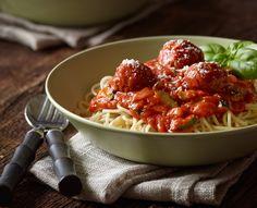 Spaghetti and Veggie Meatballs from #YvesVeggie Cuisine - perfect for #MeatlessMonday #vegetarian