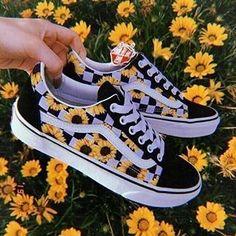 Mode Converse, Sneakers Mode, Cute Sneakers, Vans Sneakers, Cheap Converse, Vans Customisées, Vans Sk8, Souliers Nike, Vans Shoes Fashion