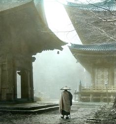 Mendicant monk - Image by T. Enami (江南 信國, Enami Nobukuni, 1859 – 1929)