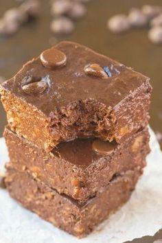Ένα γλυκό που θα σας ξετρελάνει: Tο υπέροχο brownies χωρίς ζάχαρη και αλεύρι με 2 υλικά!