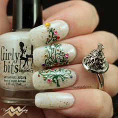 Deck The Tree Products: Girly Bits Eggnogoholic, Mundo de Unas, UberChic Christmas 01