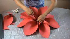 Flor grande 27 elaborada en cartulina
