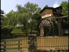 Mike and Brittany take you on a tour through Tennessee's second favorite attraction!