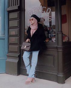 Muslim Fashion, Hijab Fashion, Women's Fashion, Fashion Outfits, Fashion Weeks, Modest Outfits, Winter Outfits, Modest Clothing, Ootd Hijab