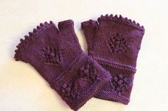 Ravelry: Project Gallery for Gather Ye Rosebuds Mitts pattern by Karen Strauss