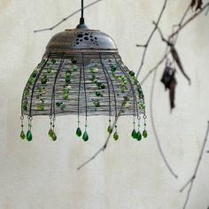 hrnčíř & smu: Lesní studánka. Drátovaný lustr.