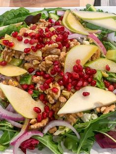 Pear & Pomegranate Salad | Looking for an easy healthy salad recipe? Check out this flavorful recipe for a lunch meal idea. | The Produce Moms Savory Salads, Easy Salads, Healthy Salad Recipes, Lunch Recipes, Pomegranate Recipes, Pomegranate Salad, Pear Recipes, Veggie Noodle Soup, Perfect Salad Recipe