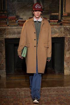 Sfilata Moda Uomo Valentino Parigi - Autunno Inverno 2017-18 - Vogue