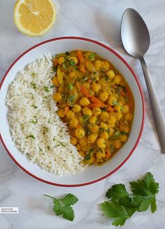 13 vegan recipes rich in vegetable proteins to celebrate World Vegan Day - Food & Recipes - Recetas Veggie Recipes, Indian Food Recipes, Vegetarian Recipes, Cooking Recipes, Healthy Recipes, Vegetarian Italian, Salad Recipes, World Vegan Day, Clean Eating