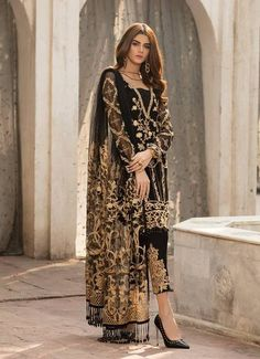 Gulaal Chiffon Wedding Collection, salwar kameez online uk, pakistani designer clothes online uk You are in the right place about cool clothes for women Here we offer you the most beautiful pictures a Pakistani Designer Clothes, Pakistani Dress Design, Pakistani Designers, Indian Designer Outfits, Indian Outfits, Designer Dresses, Pakistani Clothing, Pakistani Clothes Casual, Pakistani Models