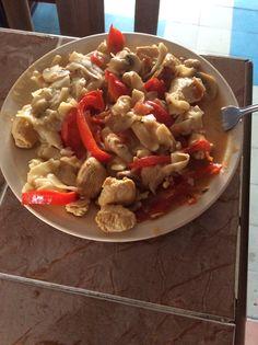 Fettuccini y pollo en salsa cajun