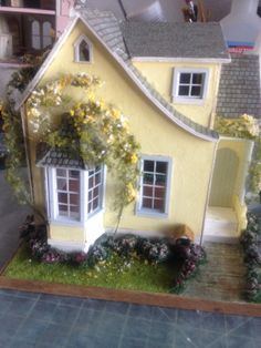 Posts about Miniature landscaping written by Jennifer Victorian Dollhouse, Modern Dollhouse, Diy Dollhouse, Dollhouse Furniture, Miniature Rooms, Miniature Crafts, Miniature Houses, Putz Houses, Fairy Houses