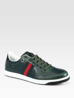 Gucci Sneaker-expect haters to be green with envy Gucci Sneakers, Classic Sneakers, Hot Shoes, Men's Shoes, Sneaker Games, Nike High Tops, Nike Tennis, Nike Workout, Gucci Men