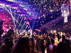 Seth MacFarlane post-Oscar party finally with glitter!!