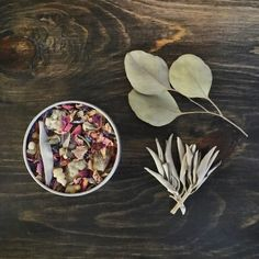 LOOSE LEAF BOTANICAL INCENSE    This blend contains the following organic dried herbs, flowers, powders and resins    ≫ red rose petals ≫ pink rose