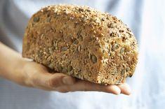 Den beste endringen du kan gjøre for kostholdet ditt. Spelt Bread, Norwegian Food, Norwegian Recipes, Low Carb Bread, Banana Bread, Food To Make, Nom Nom, Food And Drink, Baking