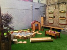 Park Slope specialty toy shop Norman & Jules is set to opena new outdoor play space in the store's backyard this Friday.Launching with a concert featuring one of kindie's biggest stars Suzi Shelton, this new spot already has an impressive schedule ofactivities lined up and a wonderful selection of play areas. Keep reading to learn all the details on this sure-to-be-a-hit...