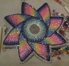 Native Beaded medallion by Lennis Denny Native Beading Patterns, Beadwork Designs, Beaded Jewelry Patterns, Indian Beadwork, Native Beadwork, Native American Beadwork, Diy Jewelry Instructions, Seed Bead Art, Bead Sewing